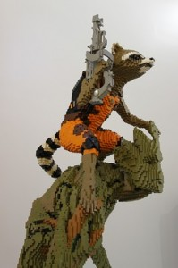 groot-rocket-raccoon-lego-sculpture-sdcc-2014-1