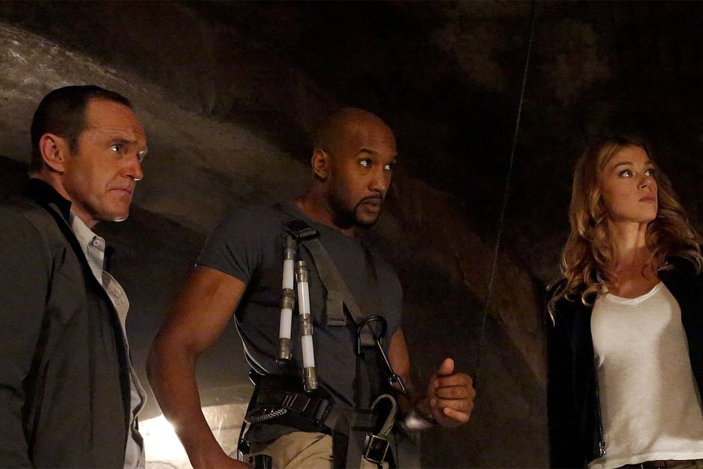 """TV REVIEW: Marvel's Agents of S.H.I.E.L.D. 2.09 """"Ye Who Enter Here"""""""