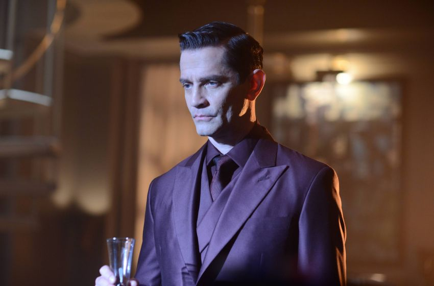 TV REVIEW: Gotham 2.2 - Knock Knock