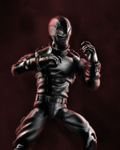 B6356AS00_Marvel_Legends_SPDMN_NOIR_3